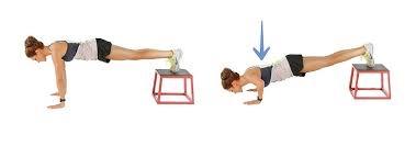falsh-workout-pettorali-scolpiti-push-up-piedi-rialzo