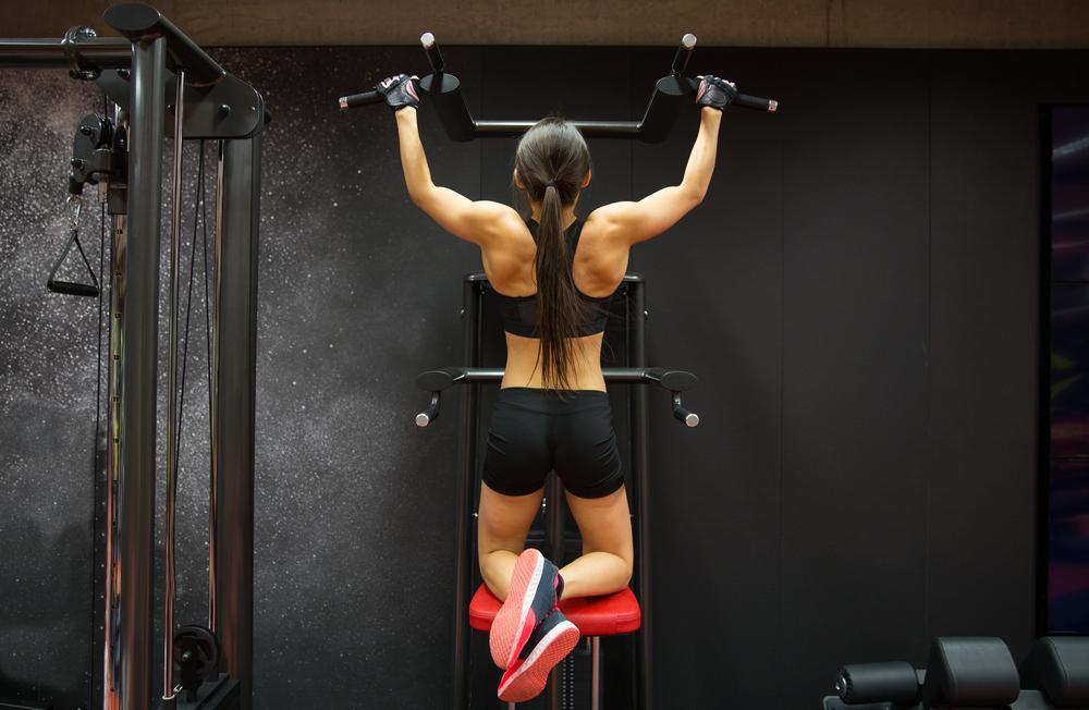 esercizi trazioni. Scopri con diadora fitness come fare al meglio i pull up